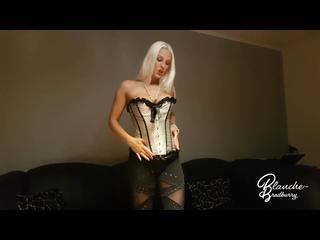 Blanche: sexy Striptease