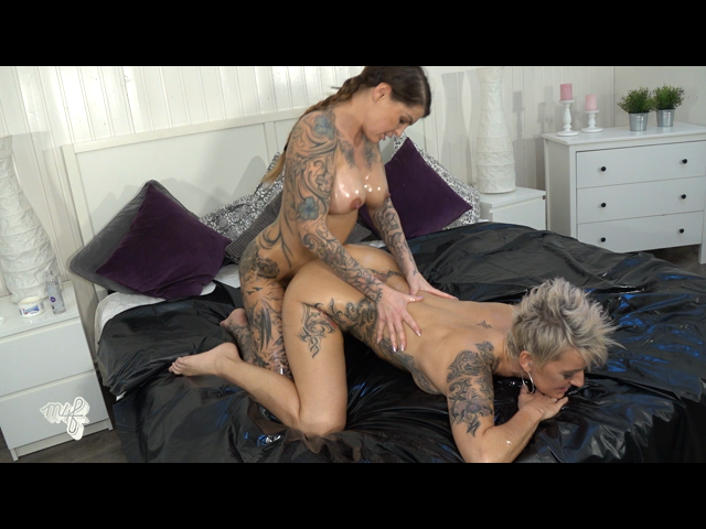 Lots of oil, body to body massage & fisting with Nightkiss666